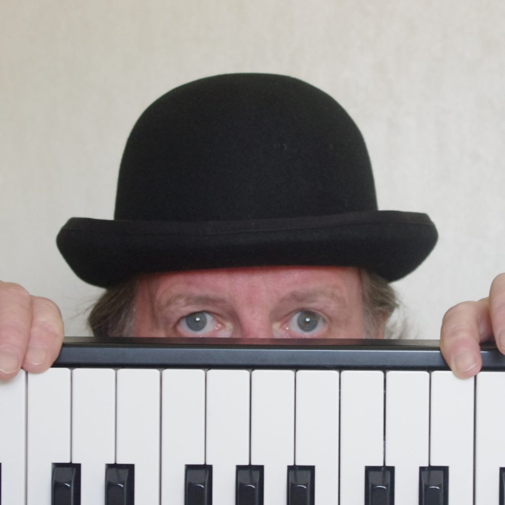 Cockney Singalong Pianist